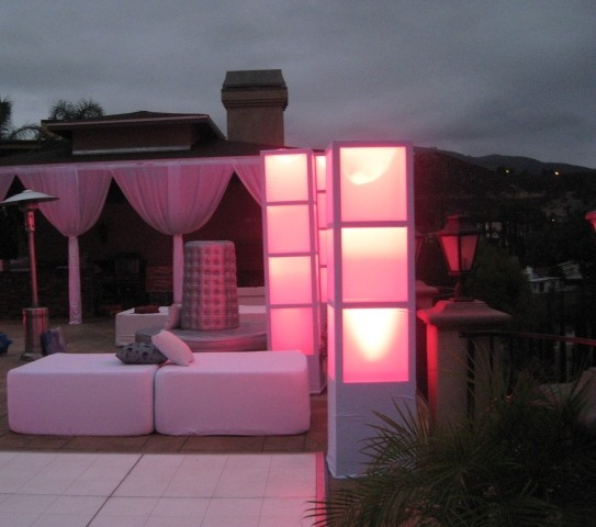 4 x 4 lounge bed white light up columns pink. Black Bedroom Furniture Sets. Home Design Ideas